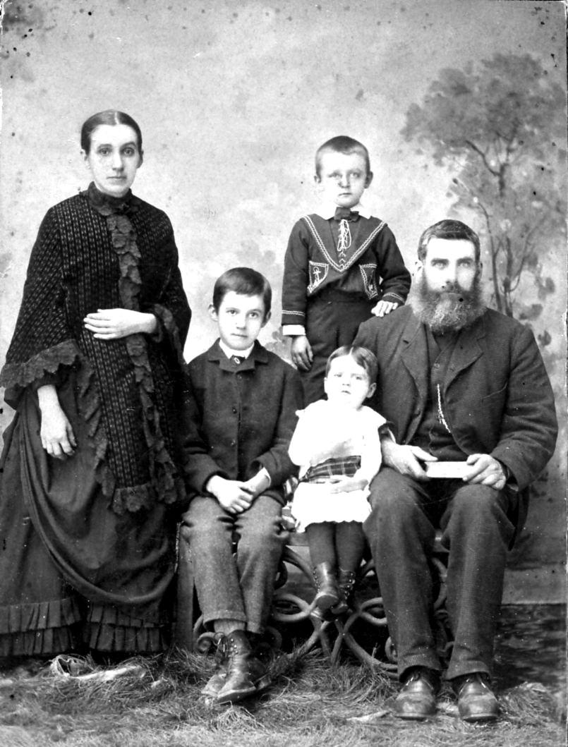 m-Margaret-Renwick-family-c1889018
